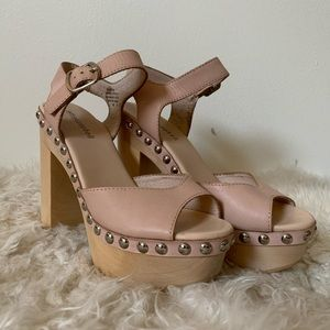 Jeffrey Campbell Blush stacked Pumps / Heels